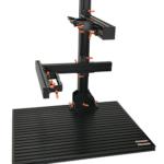 工具を使わず可変・調整が可能。設置確定時には工具で強固に固定。操作レバーはオレンジレバー、黒レバーを選択可能。